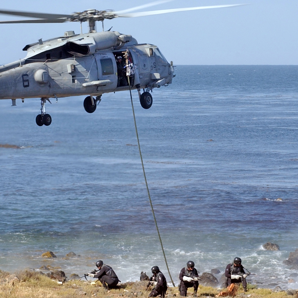SEAL TEAM 6 قوات النخبة للعمليات الخاصة  Navy-seal-photos-island-assault__1_-cropped1
